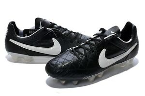 soulier soccer neuf pointure 4