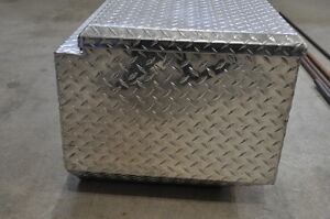 Lund Aluminum truck tool box, Lund flush mount truck tool box Strathcona County Edmonton Area image 3
