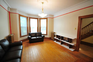 Beautiful, furnished house on Vernon Street. Everything included