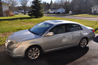 2006 Toyota Avalon XLS Sedan fully loaded !!! Beautiful car...