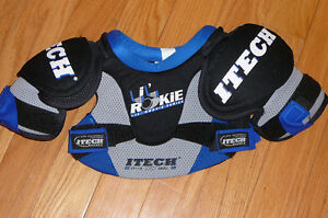 Hockey Gear - Youth Sizes, gloves, shoulder & shin pads Peterborough Peterborough Area image 1
