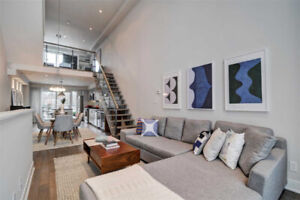 Rarely Offered! 1,673 Sf Freehold Loft Townhouse, 2+1 Br 3 Ba