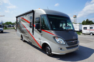 2010 Winnebago Via 25T (SALE PENDING)