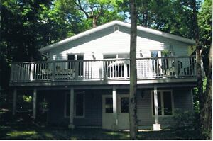 Long Weekend Avail. $750 - Parry Sound Lakefront Cottage