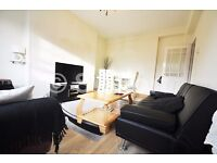 Amazing 3 bed property is located in Old Street within minutes walk to the tube station