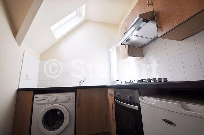 BRAND NEW Studio apartment in nice neighbourhood within good transport links to central London