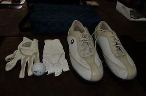 Ladies size 7 mint golf shoes, bag, 2 gloves