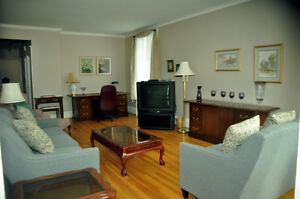 Fully Furnished 3 Bdrm Central Heritage Area Available Now