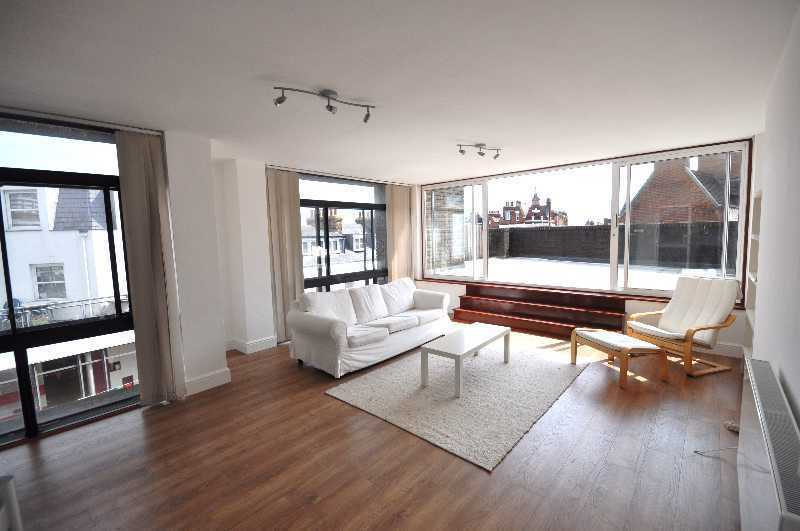 **Stunning2 double bedroom flat huge private terrace in the heart of Hampstead fitted kitchen!**