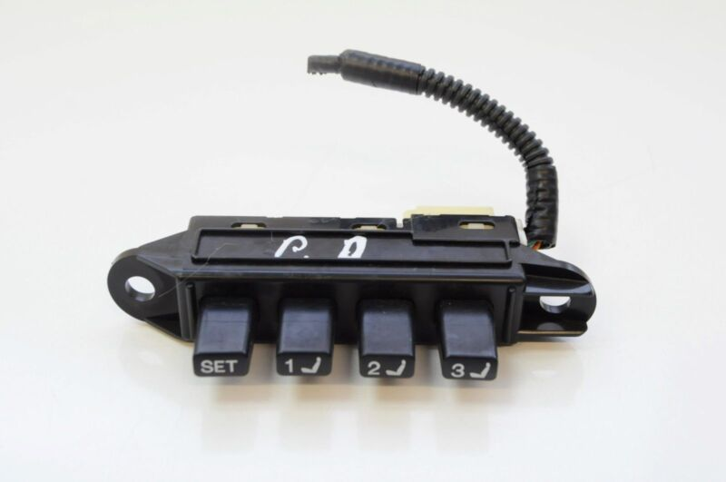 LEXUS GS 450h 2007 RHD FRONT RIGHT SEAT MEMORY SWITCH 15A695 / 15A911