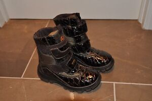 BRAND NEW Naturino Children's Boots