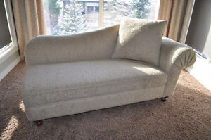 Luxurious Chaise Lounge