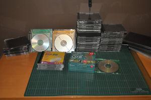 Boîtes pour CD et DVD, aussi CD-RW et DVD-RW réinscriptibles.