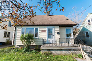 Single family home with potential for INCOME