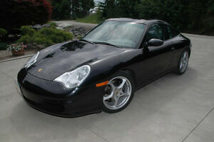 2003 Porsche 911 Targa Coupe (2 door)