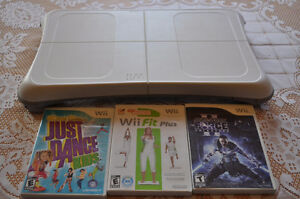 Wii stand up board with 3 games in great condition
