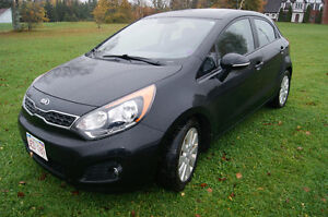 2013 Kia Rio EX AUTO LOADED Hatchback