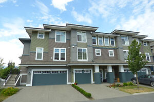 Amazing Lindy's Crossing Townhome - 33-5469 Chinook St
