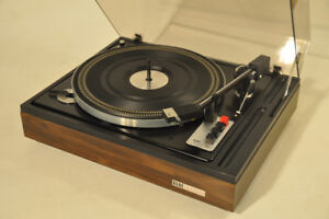 Restored ELAC MIRACORD 760 Turntable with Shure M93E