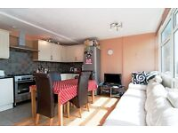 4 bedroom flat in Rayners Road, Putney, SW1