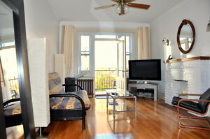 Spectacular furnished apartment with balcony near Snowdon metro.