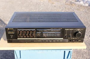Hitachi Intergrated amplifier HA-D100