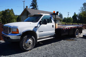 F 550 XLT FLATBED TRUCK