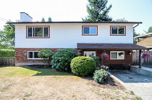 Comox Home, 3 Bedroom upper floor suite