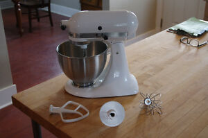 As new Kitchen Aid stand mixer