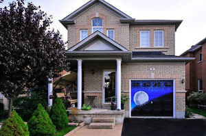 Detached house for rent in Weston and Major Mackenzie