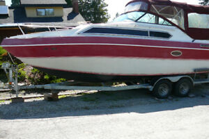 27 ft Cruisader Power Boat