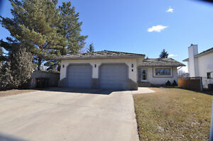 St. Albert -Pineview- 4 bedroom fully finished bungalow for sale