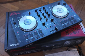 Pioneer DDJ_SB COMES WITH BOX AND ORIGINAL CABLES