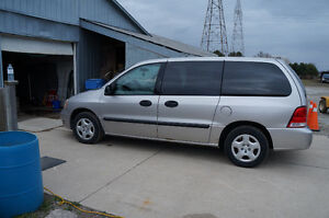 2005 Ford Windstar cloth Minivan, Van