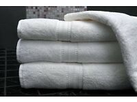 44 WHITE BATH TOWELS / 100% COTTON 450GSM , size: 65 x 140 - SALE - JOB LOT WHOLESALE RRP £220