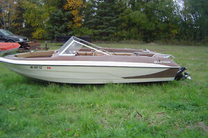 1979 GLASTRON 140 HP MERCRUISER SALT WATER ENCLOSED COOLING