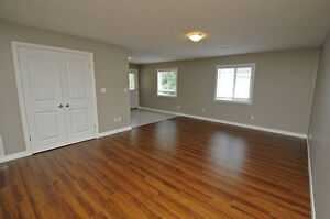 House - 2BR Executive Suite in Shakespeare-SEE OPEN HOUSE HOURS Stratford Kitchener Area image 7