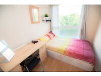 DOUBLE ROOM FOR SINGLE USE IN A FRIENDLY FLAT - AVAILABLE ON THE 21st of December!