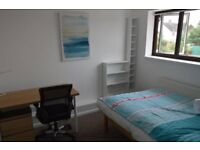 Dble Room, ensuite, weekly cleaner, professionals
