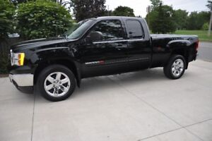 """2011 GMC Sierra Extended - """"As NEW Condition - ONLY 66K!"""""""