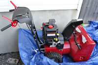 Murray 824EX 2-stage snowthrower / snowblower in mint condition