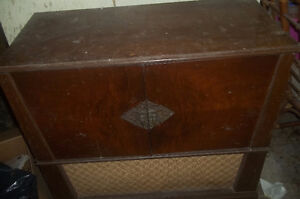 Vintage Stereo with Cabinet
