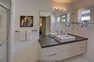 Ballymote Woods - Gorgeous Former Model Home London Ontario image 9