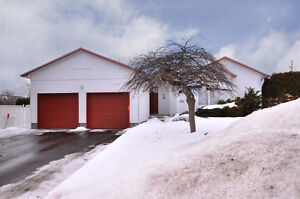 Maison à vendre / House for sale - Ste Anne de Bellevue Nord