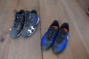 Soulier balle Under Armour gr. 2   et soccer Nike  pointure 2