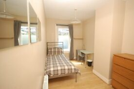 Single room - shared flat close to the city centre