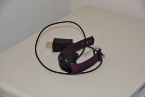 Fitbit Charge 2 + 2 bracelets + chargeur