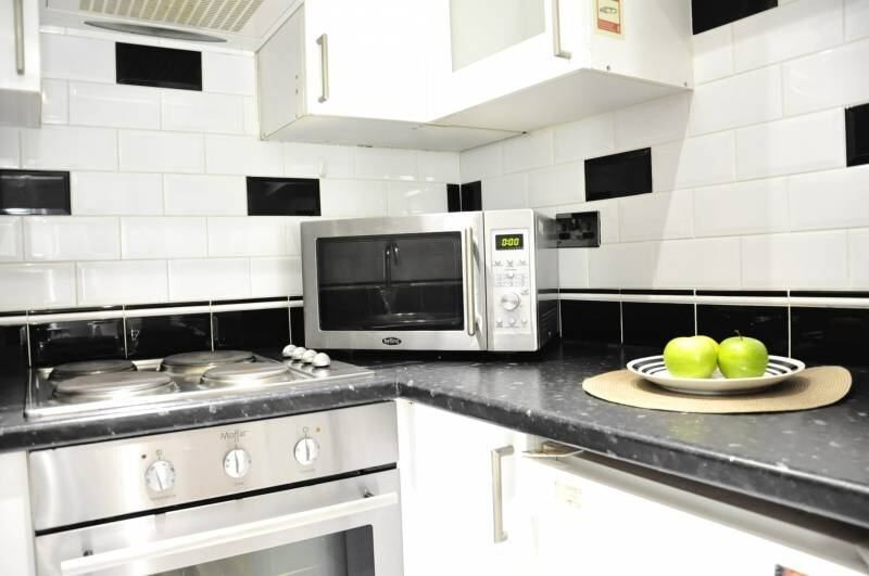 10' Baker Street - Amazing Flat -Short Let 1 month - Separate Kitchen -