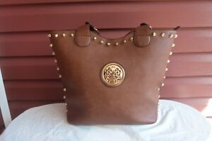 Beautiful Large size Ladies Purse w straps/gold tone accents