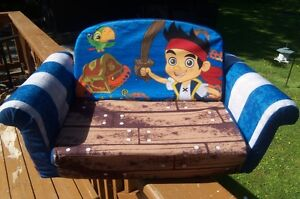 Jake & Neverland Pirates Flip open Sofa!